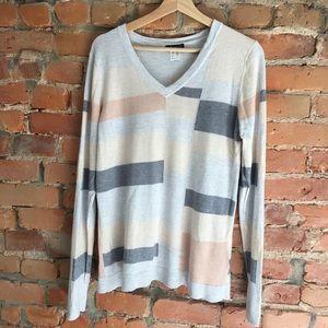 Venus EUC pullover sweater in pale neutrals